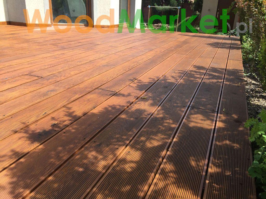 Taras z modrzewia syberyjskiego kolor orzech